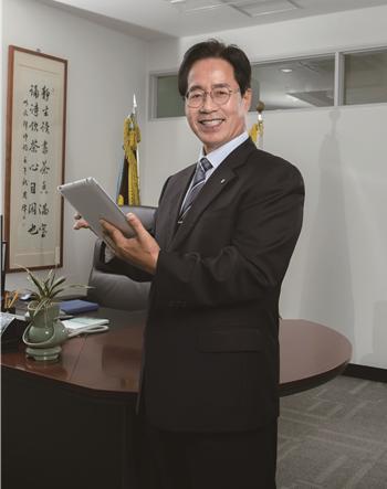 동명대 정홍섭 총장.
