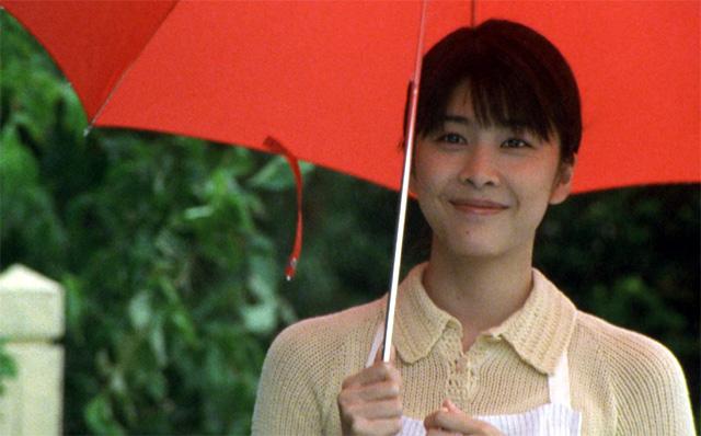 일본 유명 여배우 다케우치 유코가 2004년 영화 '지금, 만나러 갑니다'에 출연했던 모습. 사진=(주)디스테이션 제공.