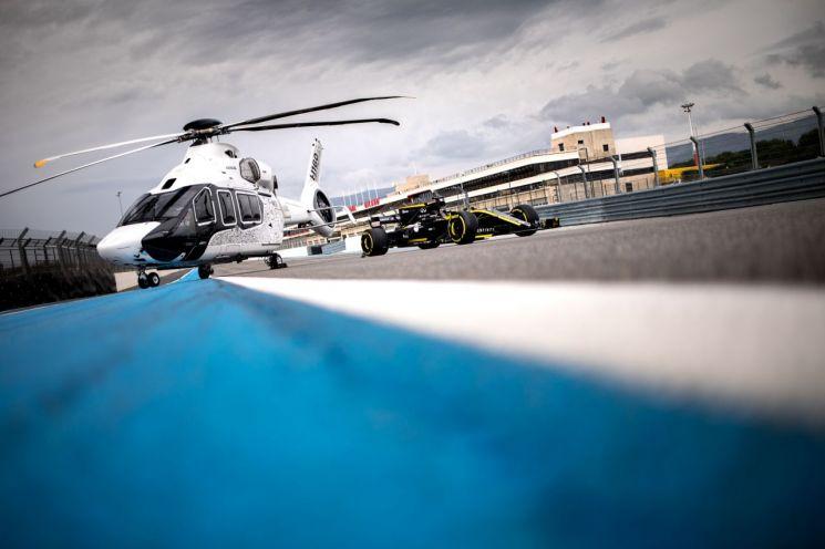 [양낙규의 Defence photo]헬리콥터 VS F1 경주차… 누가 빠를까