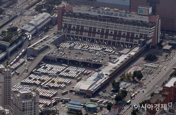 [포토] 고속버스들로 붐비는 터미널
