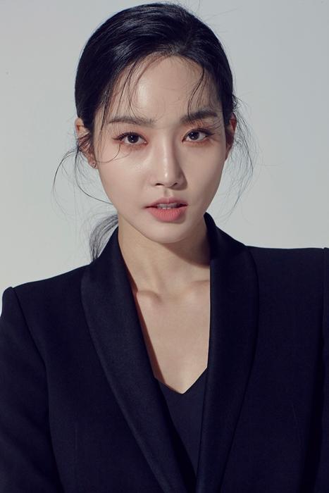 [인터뷰]'코스메틱 ♥ 進' 김유미의 PICK