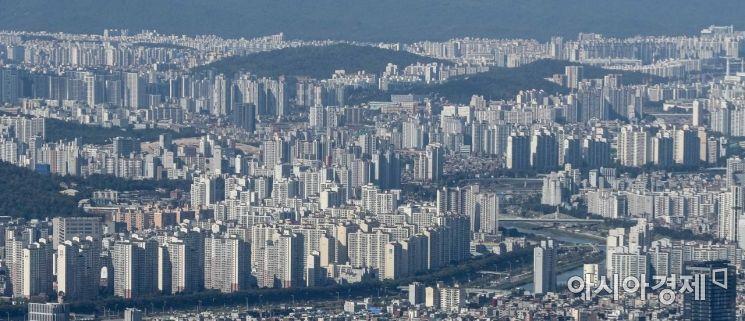 지난달 서울 소형 아파트 평균 매매가격은 1년 전 대비 1억4192만 원(22.7%) 올랐다.