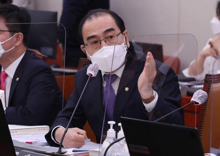 """태영호 국민의힘 의원이 17일 """"이제 우리가 할 일은 북한으로의 5·18 정신 전파""""라고 밝혔다. [이미지출처=연합뉴스]"""