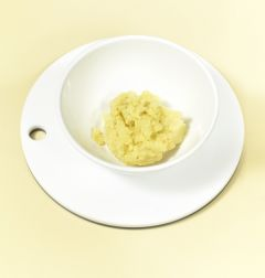 1.고구마는 찜통에 찌거나 오븐에 구워서 익힌후 껍질을 벗기고 먹기 좋게 으깬다.