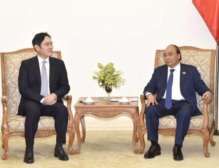 [포토]이재용-응우옌 쑤언 푹 베트남 총리, 협력 방안 논의