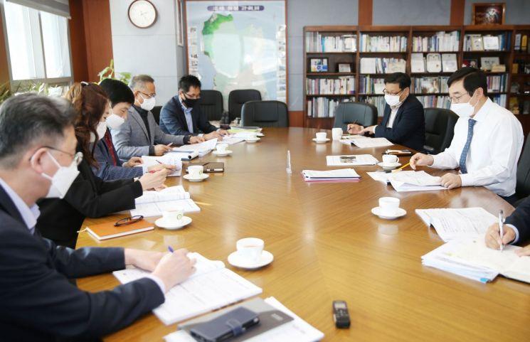 [포토]이동진 도봉구청장, 2021년 주요업무계획보고회서 '구민체감형 사업' 당부