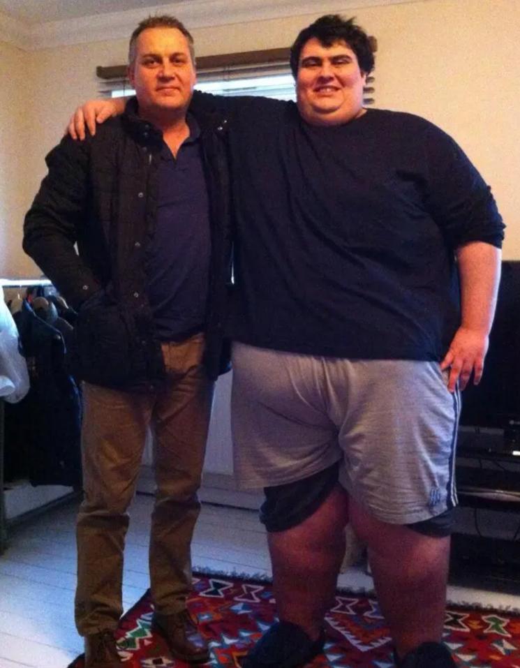 제이슨 홀튼과 그의 삼촌. 사진=더선 캡처.