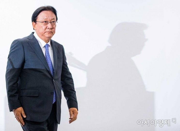 [포토]사과문 발표 마친 박근희 대표이사