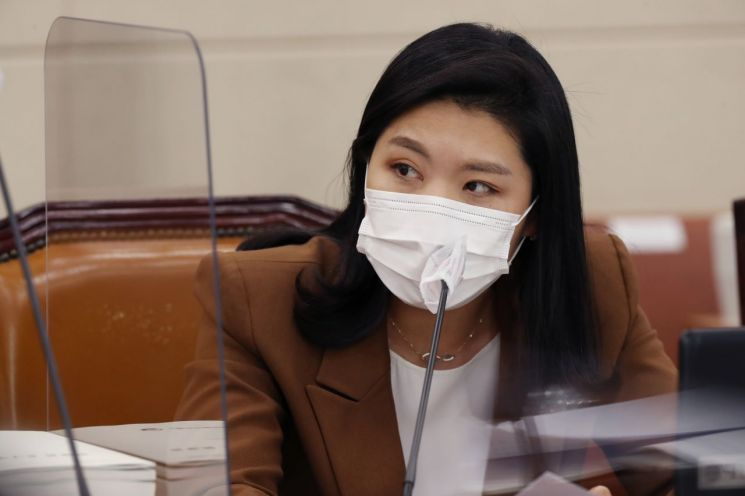 신현영 더불어민주당 의원. [이미지출처=연합뉴스]