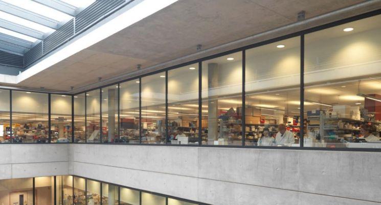 영국 옥스퍼드대 제너 연구소. / 사진=페이스북 캡처