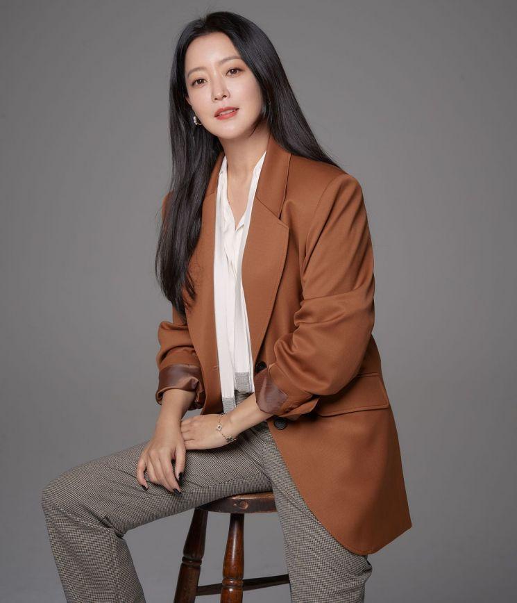 드라마 '앨리스'를 마친 배우 김희선. 사진=힌지엔터테인먼트
