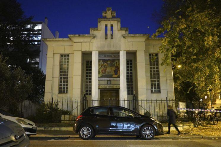 지난달 31일 총격사건이 발생한 프랑스 리옹의 그리스정교회 교회 [이미지출처=AP연합뉴스]