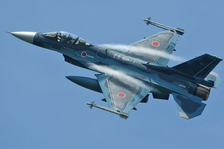 항공자위대 F-2 지원전투기(록히드마틴)