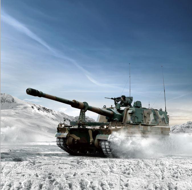 육군 화력의 주력 무기인 K9 자주포