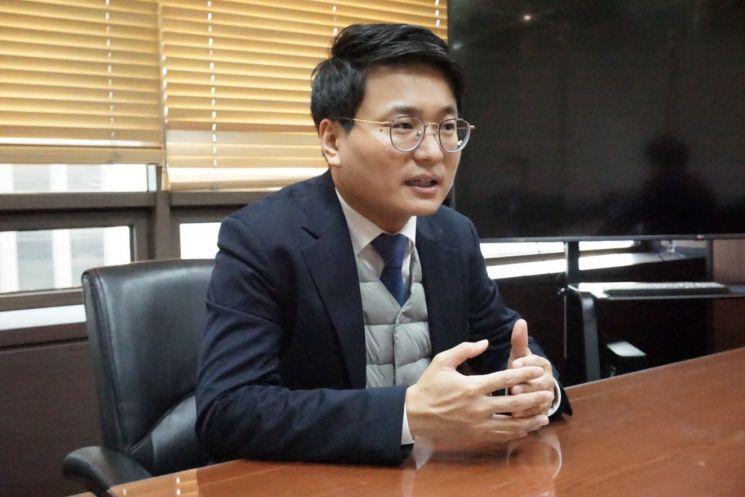 장옥동(ZHANG YUDONG) 컬러레이코리아 대표.