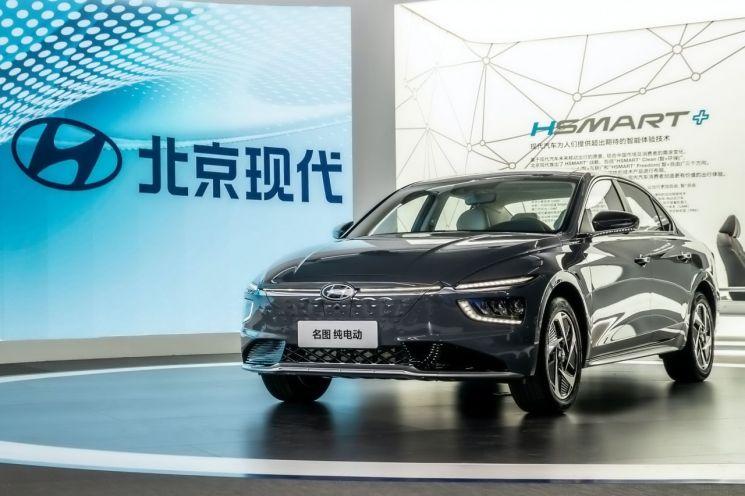 현대차 중국 현지 전략 중형 세단 밍투의 전기차 모델 밍투 일렉트릭(사진=현대차)