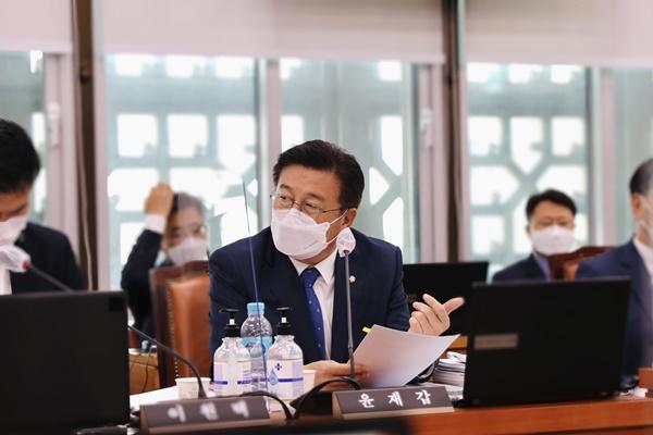 더불어민주당 윤재갑 의원 (해남·완도·진도) / ⓒ 아시아경제
