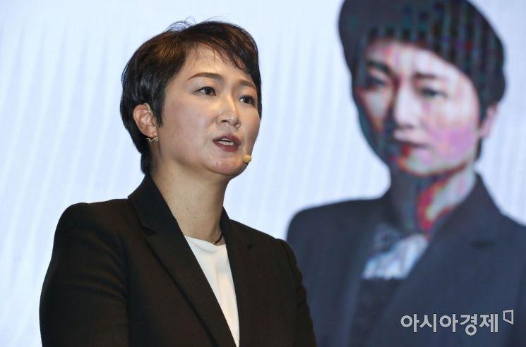 이언주 전 의원이 23일 서울 여의도의 한 호텔에서 '부산독립선언' 출판기념회를 열고 있다. 이 전 의원은 사실상 부산 시장 보궐선거 출마를 했다./윤동주 기자 doso7@