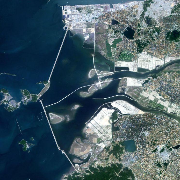 새만금 일대 위성 모습. 전라북도가 구축한 '새만금 실시간 영상 전달 시스템'을 통해 확인할 수 있다.(사진제공=전라북도) [이미지출처=연합뉴스]