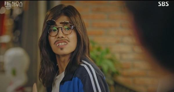 '펜트하우스'에 출연하는 체육선생님 구호동(배우 박은석). 사진= SBS '펜트하우스' 방송화면 캡처.