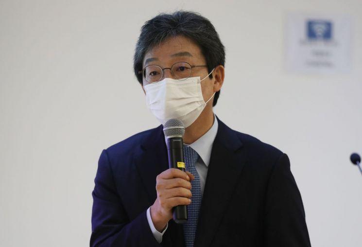 지난 18일 오후 유승민 전 미래통합당(현 국민의힘) 의원이 충북 괴산군에 있는 자연드림파크에서 '우리 경제의 미래와 사회적 경제의 역할'을 주제로 강연하고 있다. 사진=연합뉴스
