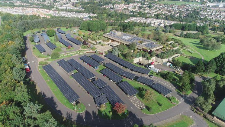 한화큐셀, 英 최대 보험사 아비바 주차장 태양광 사업 참여