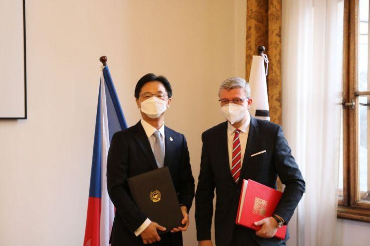 한국-체코 하늘 길 협력, '항공업무협정' 정식 서명