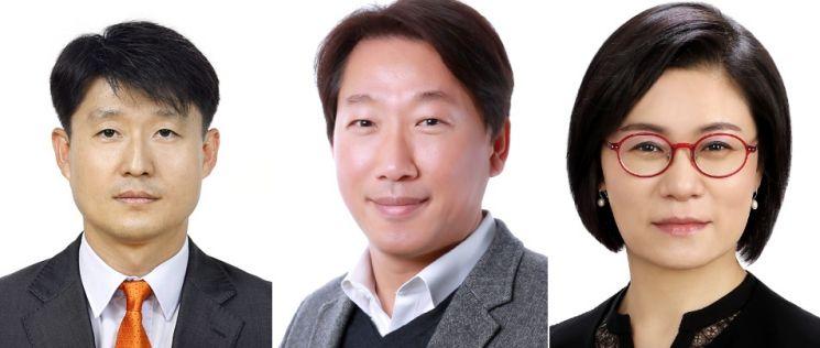 (왼쪽부터)LG디스플레이 이진규 전무, LG디스플레이 이현우 전무, LG디스플레이 김희연 전무.