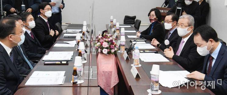 [포토] 부동산 현장 점검 나선 김종인 비대위원장