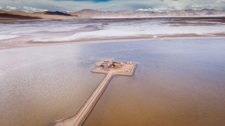포스코가 아르헨티나 리튬 염호에서 탐사를 진행하고 있다.<포스코 제공>