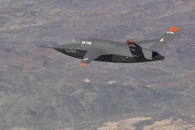 미 공군의 로열윙맨 실증기인 XQ-58A(USAF)