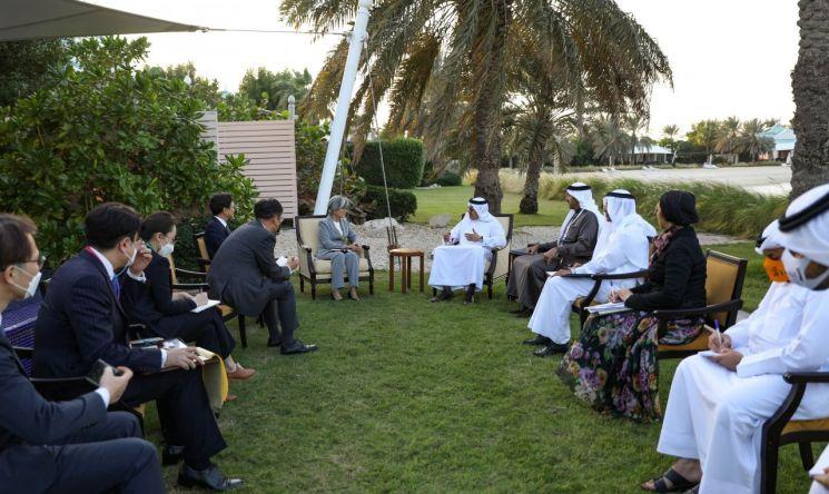 강경화 장관, 이라크·바레인 외교장관과 연쇄 회담…양자협력·중동정세 논의
