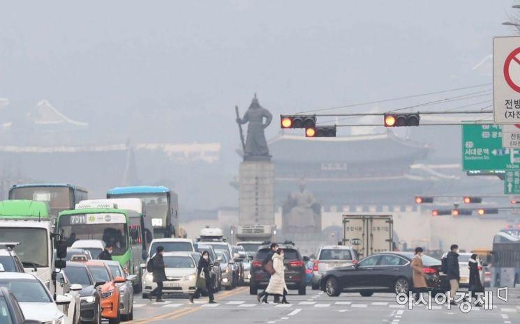 '미세먼지 계절관리제' 첫 달, 배출가스 5등급 차량 9600여대 단속