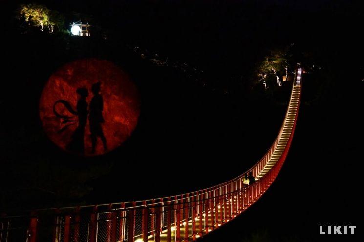 감악산 출렁다리 야간조명, 사진=파주시청 홈페이지