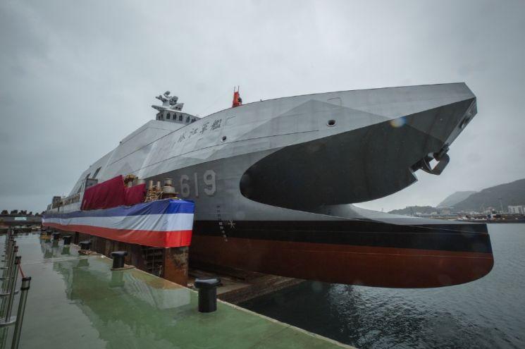 지난 12월 15일 중국 항공모함 킬러로 활용될 대만해군의 신형 초계함 타장함의 진수식이 거행됐다. 사진=대만 총통부