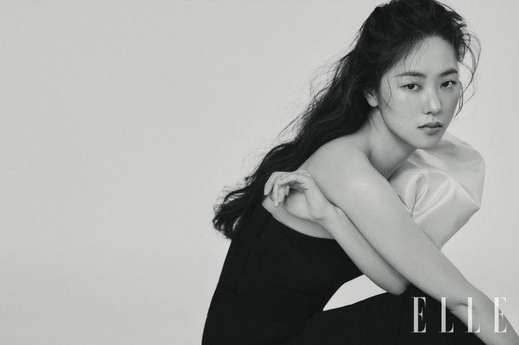 배우 전여빈 화보