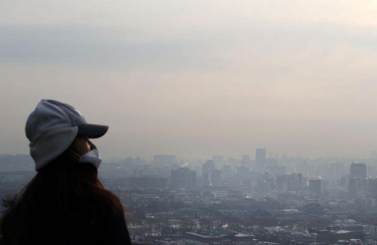 초미세먼지로 뒤덮힌 도심 [아시아경제 자료 사진]