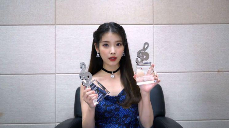 골고루 가져간 BTS…트롯 가수도 수상(종합)