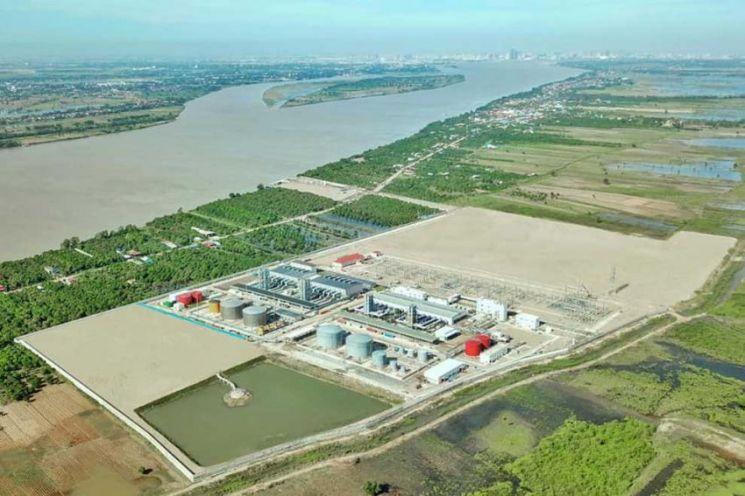 ▲최근 가동한 비상용 중유발전소 (출처=캄보디아국영전력)
