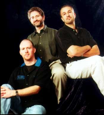 블리자드 창업자들. 왼쪽부터 프랭크 피어스·마이크 모하임·앨런 애드햄. 사진=블리자드 엔터테인먼트.