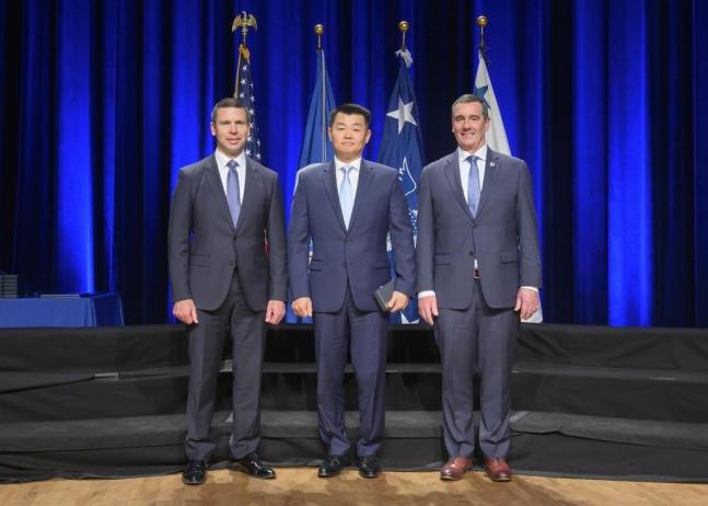 데이비드 조(가운데) 백악관 비밀경호국 요원. 출처=미국 국토안보부 홈페이지