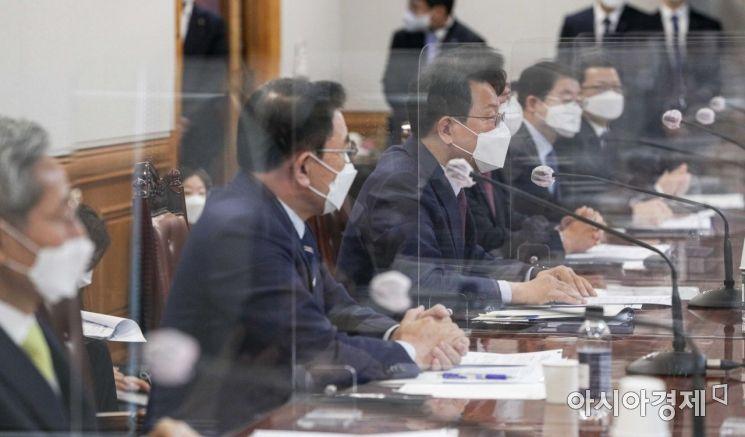 [포토]모두발언하는 김광수 회장