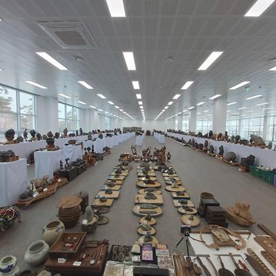 이계성 씨가 1500여 점의 예술작품을 기증했다. (사진=무안군 제공)