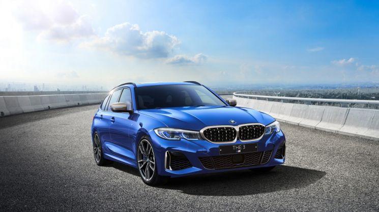 BMW M340i xDrive 투어링 산 마리노 블루  [사진제공=BMW코리아]