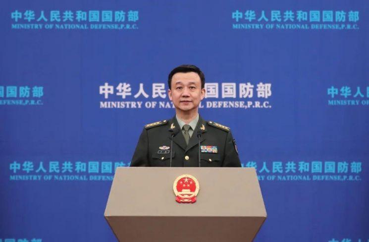 우첸 중국 국방부 대변인. 중국 국방부 위챗