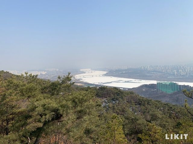 아차사 보루에서 바라본 서울 남한산 방면