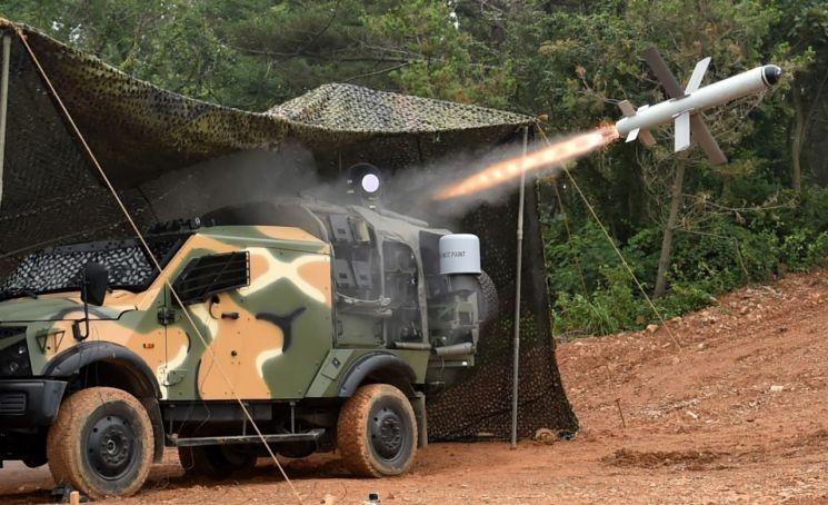 백령도 해병대 6여단에 배치된 스파이크 NLOS 미사일.