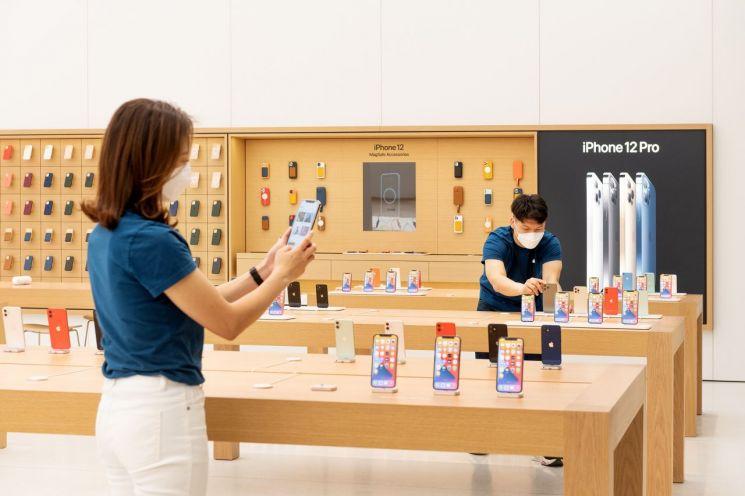 [종합]여의도 입성한 애플, 韓공략 가속화…LG 빠진 투톱 노리나