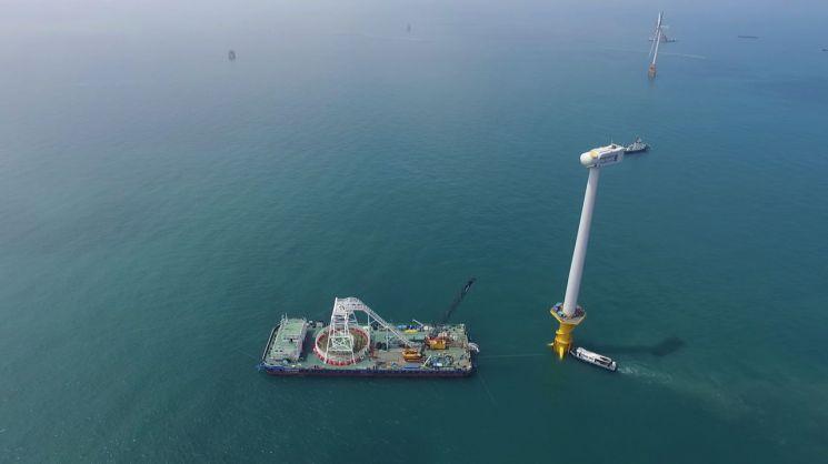 대한전선 케이블이 시공 중인 서남해 해상풍력 1단계 실증사업 현장[사진=대한전선 제공]