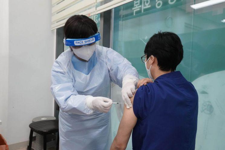 [포토]성북구 요양병원 백신 접종 '스타트'
